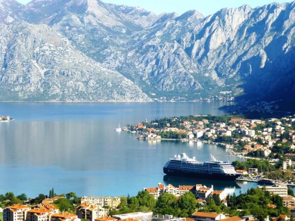 Котор, Черногория, первые гардемарины Петра I учились здесь в морской школе