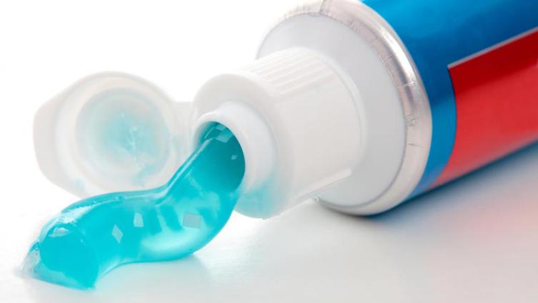 Как использовать зубную пасту в домашнем хозяйстве?
