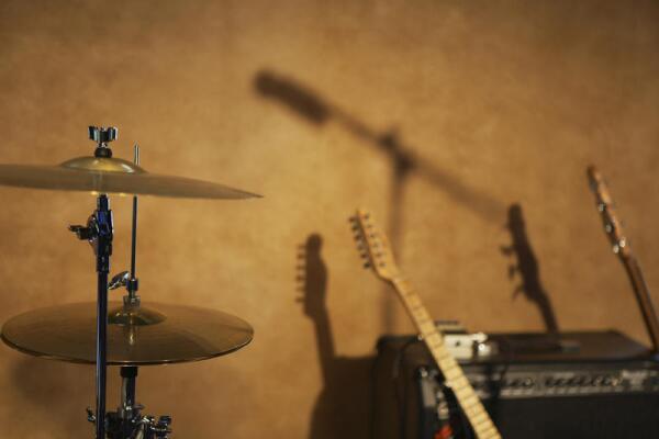Можно ли записать большой хит благодаря пьянству и разгильдяйству?