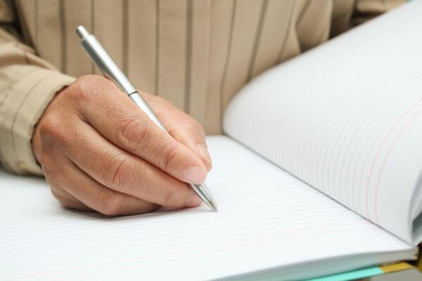 Языком или ручкой: как это больше принято в деловой Америке?