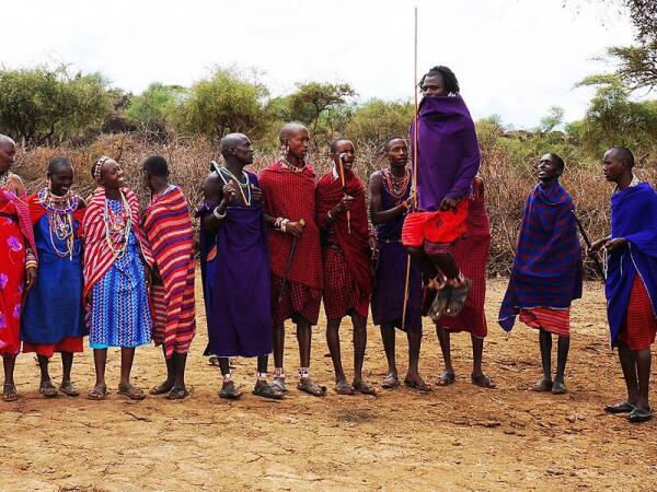 Традиционный танец племени масаи