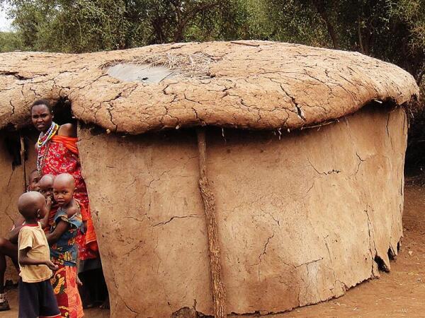 Жилище племени масаи, вид снаружи