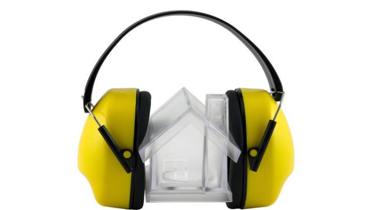 Куда жаловаться на шум в квартире?