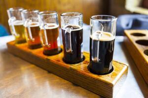 Тёмное и светлое, крепкое и лёгкое - равнодушных к пиву не бывает. Либо любим, либо на дух не переносим!