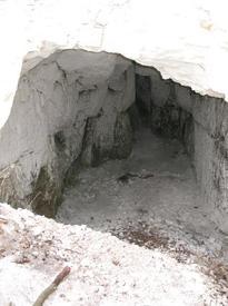 Пещера близ хутора Титчиха. Воронежская область, Лискинский район.