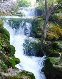 Вдоль маршрута - большие и малые каскады водопадов
