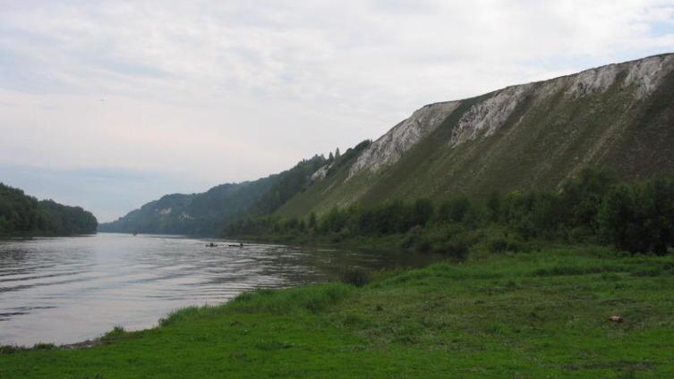 Вид на Белогорские пещеры
