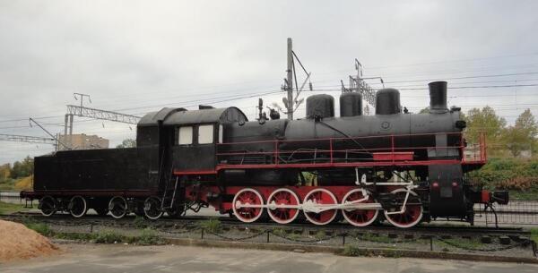 Станция Петрозаводск, Октябрьской железной дороги. Памятник паровозу ЭР-730-47