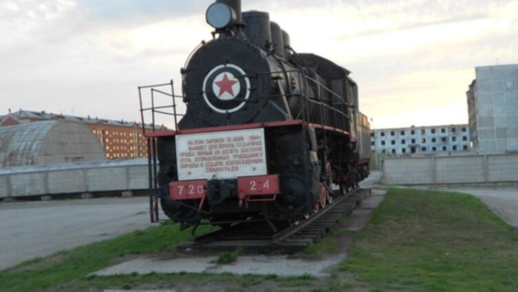 28.06.1944 г. паровоз Э-720-24 повел первый эшелон с воркутинским углем освобожденному Ленинграду