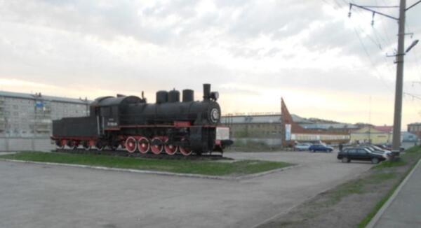 Станция Воркута, Северной железной дороги. Памятник паровозу Э-720-24