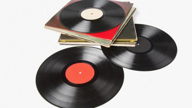 «Yellow River», «L'Amerique», «Толстый Карлсон», «Ела Рыбу»... А какую версию песни слышали вы?