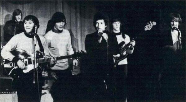 Боб Дилан в качестве гостя на концерте THE BYRDS