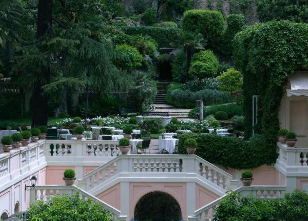 Hotel De Russie, сад