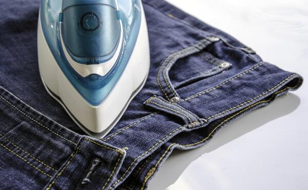 Как вывести китайский суперклей с одежды?