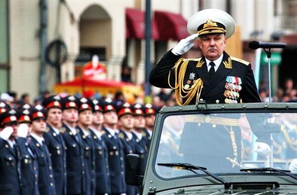 Авакянц Сергей Овсеповмч (6.04.1957 г., Ереван) — Адмирал Флота РФ, командующий Тихоокеанским флотом ВМФ России.