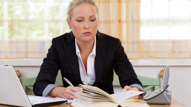 Планируете работать в сфере юриспруденции? Трудности профессии