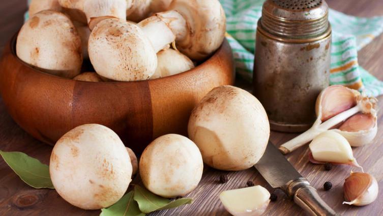 Как приготовить вкусные маринованые шампиньоны?
