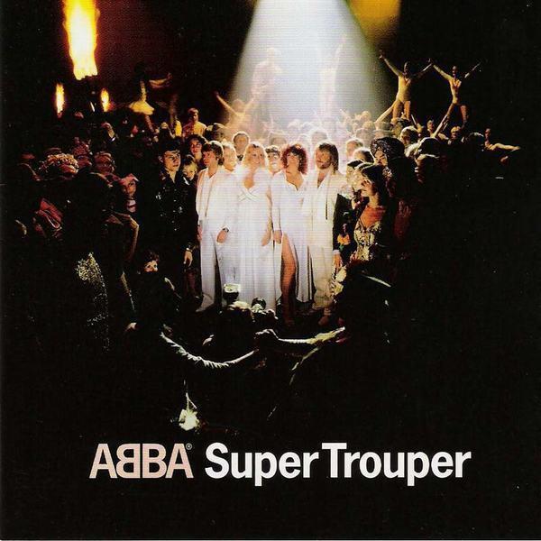 Название «Super Trouper» определило и тему обложки пластинки, где АББА предстаёт под светом софита в окружении всяческих акробатов, фокусников и прочих циркачей