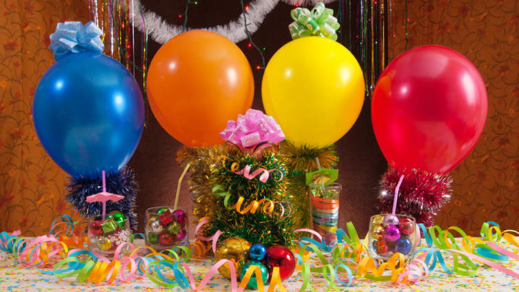 Во что поиграть с гостями в новогодние праздники?