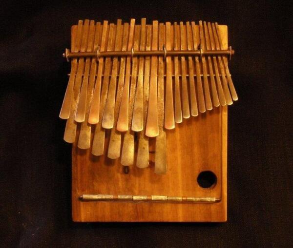 Африканский инструмент калимба