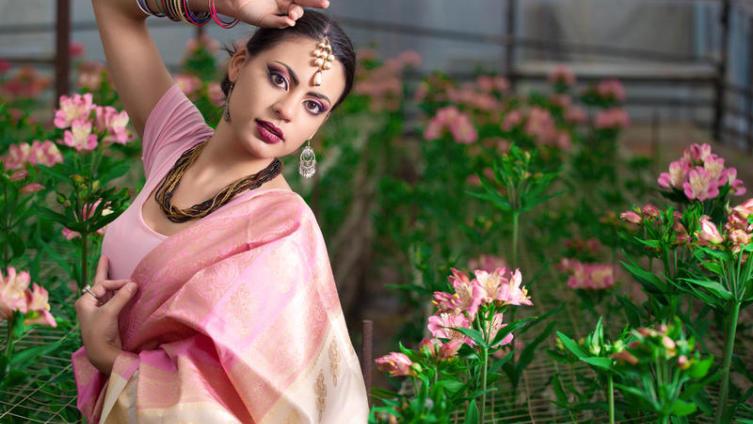 Почему индийское сари - вне моды и времени?