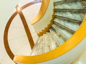 Какую лестницу выбрать для дома?