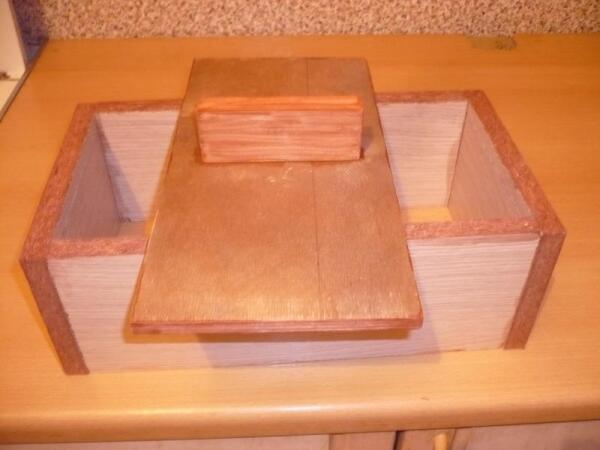 Форма для изготовления грунтового блока