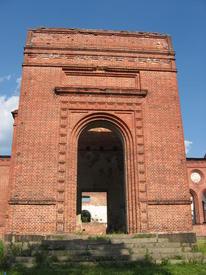 Вход в церковь с запада