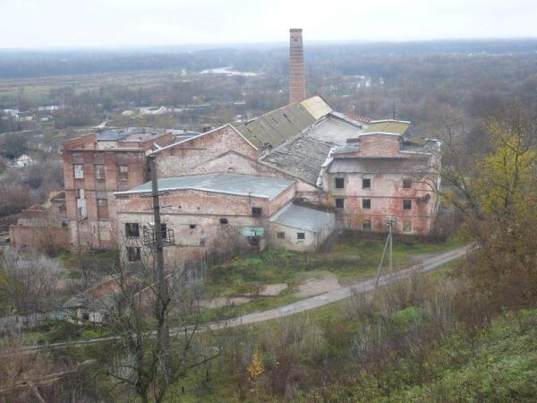 Дореволюционное здание сахарного завода в Рамони.