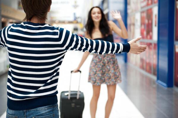 В чем плюсы и минусы отношений на расстоянии?