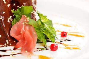 Афродизиаки – это не только еда и питье. Это и воскурение благовоний, и различные ароматы, которые действуют возбуждающе.