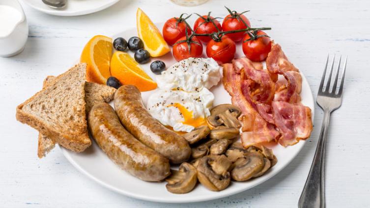 «Овсянка, сэр!» Каков на самом деле английский завтрак?