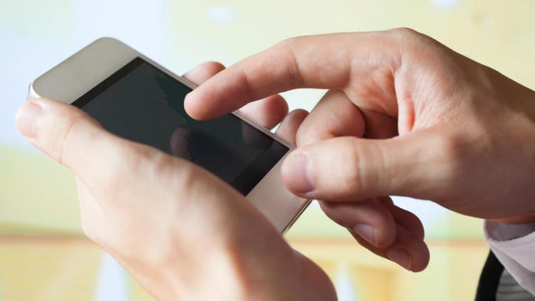 Стоит ли соглашаться на экспертизу сотового телефона при возврате его в магазин?