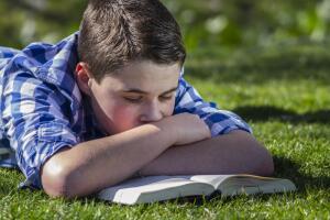 Какая польза детям от чтения книг?