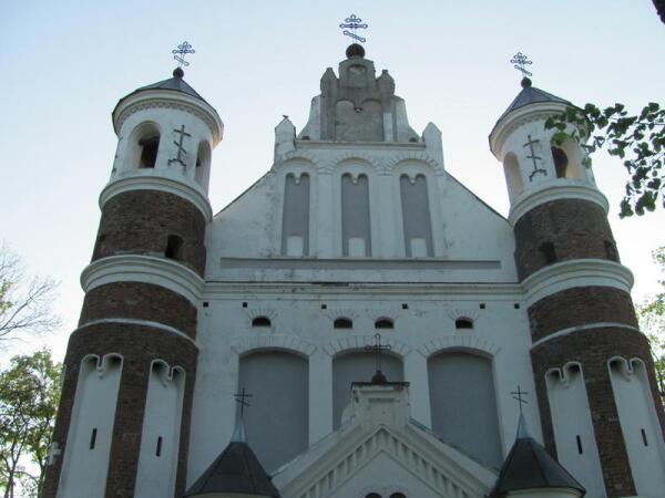 Церковь-крепость Рождества Пресвятой Богородицы (Мурованка)