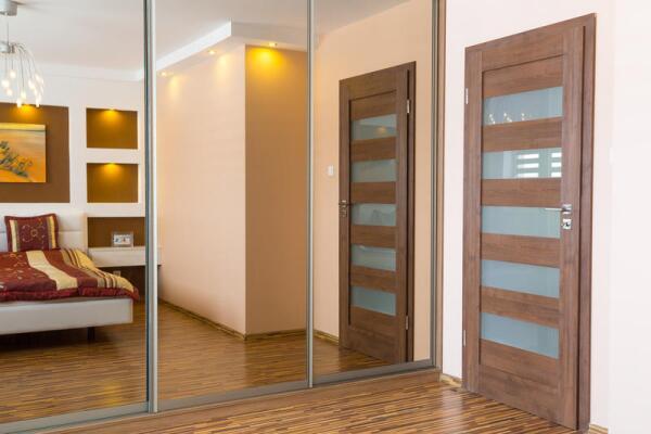 Как выбрать качественную и недорогую межкомнатную дверь?