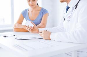 В 1977 году начались нападки на контрацептивы второго поколения: обнаружилось, что заболевания системы кровообращения могут вызываться присутствующим в таблетке гестагеном.