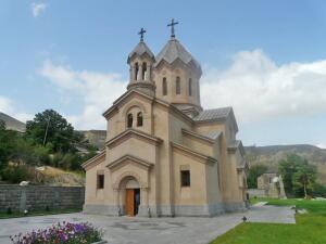 Почему в Армении строят церкви?