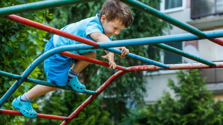 Какие невидимые опасности грозят современному ребенку?