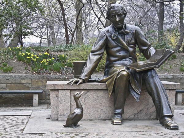 Памятник Андерсену в Нью-Йорке