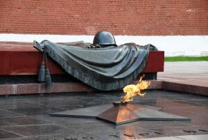Какова история военных песен Высоцкого? Часть 1: «Братские могилы»