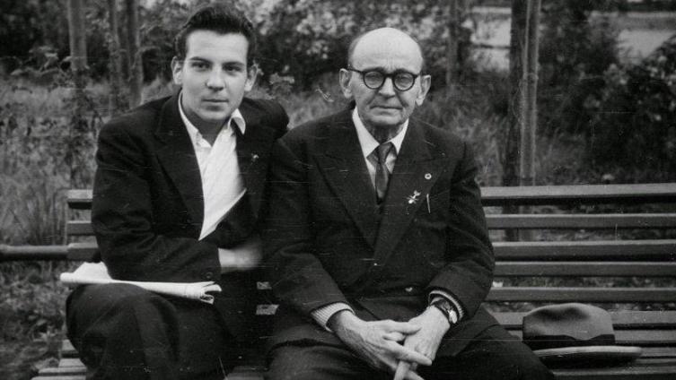 Сергей Чахотин с сыном Петром, 1961 год, Москва