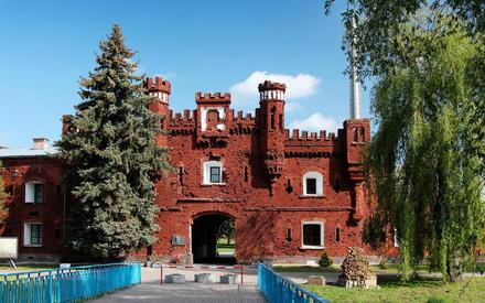 Холмские ворота — символ Брестской крепости