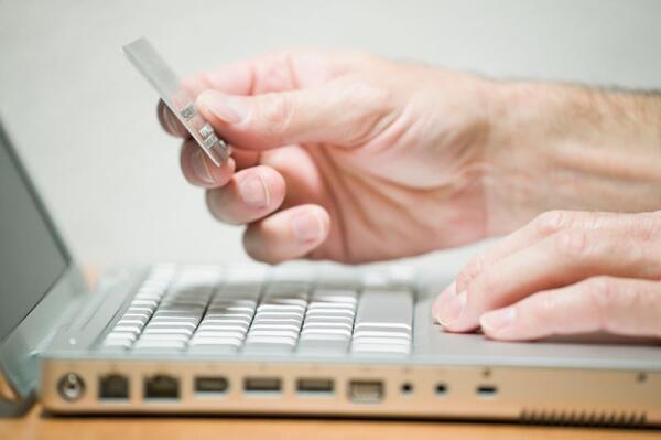 Зарубежные Visa и MasterСard должны будут привести свою деятельность в соответствие с законом РФ