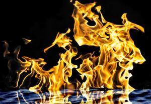 Как давно применяются зажигательные смеси?