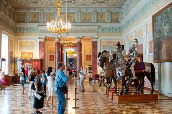 В Греческом зале, в Греческом зале?.. К Международному дню музеев