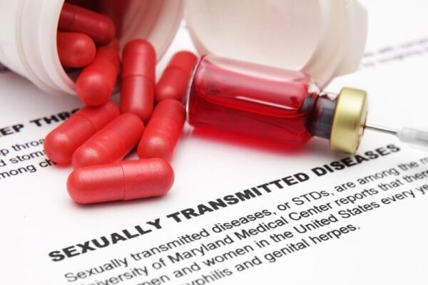 Ситуация с распространением наркомании и СПИДа не меняется в лучшую сторону...