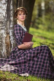 Девушка, первая севшая в день Семика в тени берёзы, первой из подруг выйдет замуж.