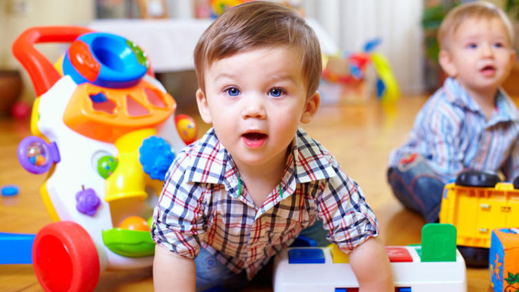 Как простую комнату превратить в детскую?