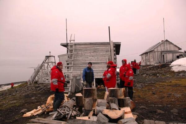 Архангелогородская экспедиция готовится к холодам
